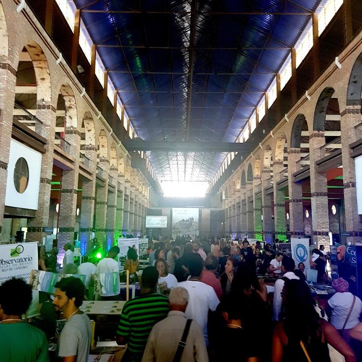 O Fórum Rio lotou o galpão no Porto Maravilha